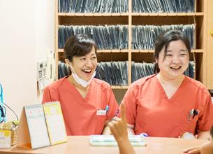 明るい笑顔で患者様をお出迎えいたします